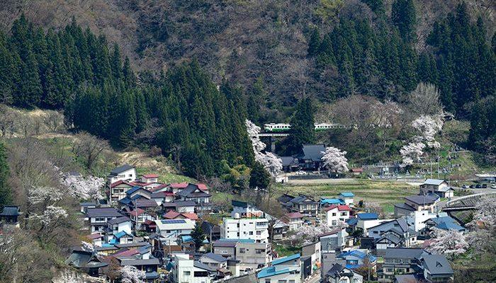 柳津町と只見線